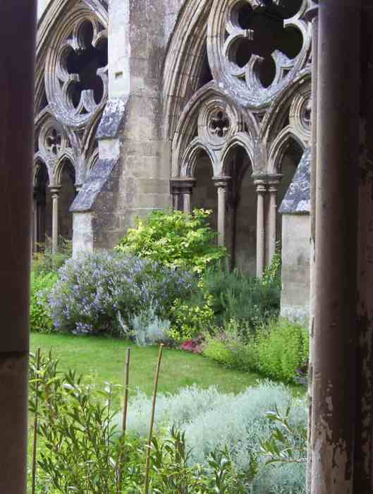Image of the cloister garden at Salisbury Cathedral in England.