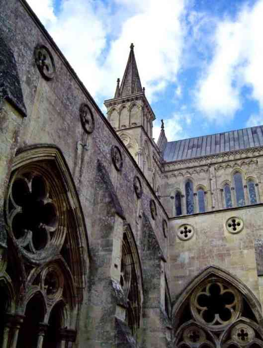 Image of the cloisters of Salisbury Cathedral in England.