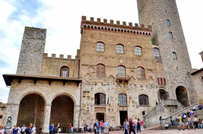 Image of Palazzo Communale, also known as Palazzo del Popolo, the Municipal Palace in San Gimignano, Italy.