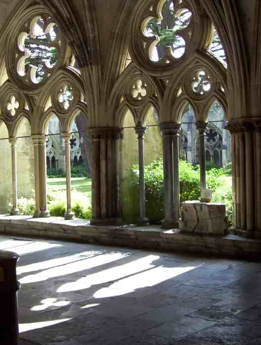 cinquefoils of the cloisters at salisbury cathedral in salisbury, england