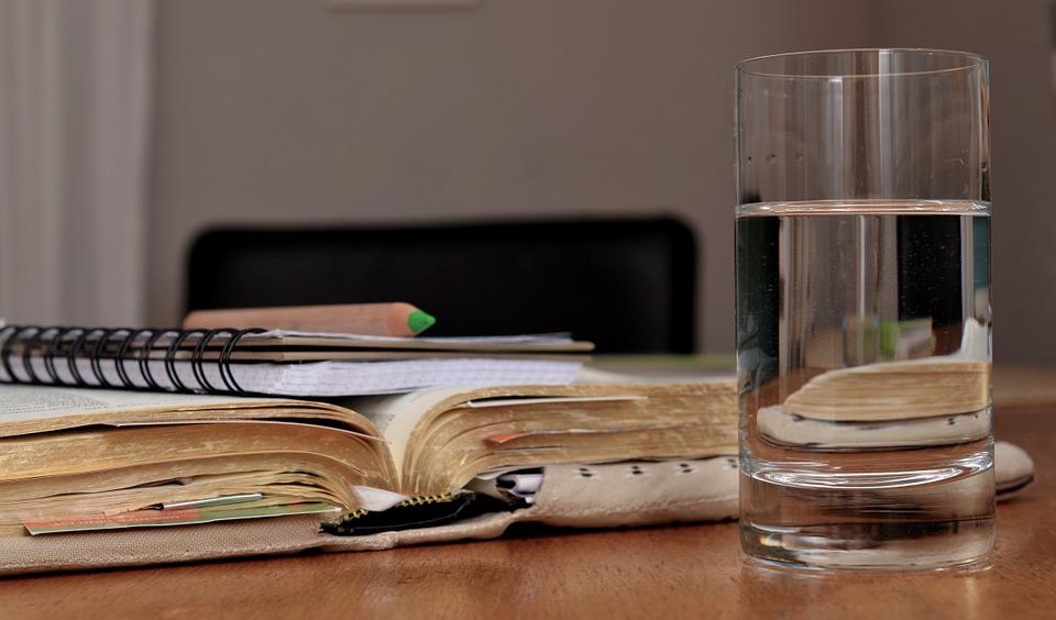 Il bicchiere d'acqua