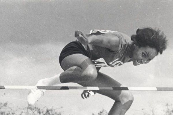 Le saut en hauteur de Ghislaine Barnay