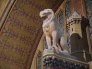 Pilier central de la porte menant à la salle des Preuses - © https://franceetmerveilles.wordpress.com - Tous droits réservés