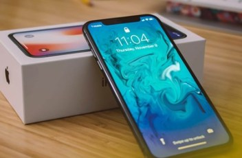 """Apple pokrenuo servisne programe za iPhone X i 13,3"""" MacBook Pro"""