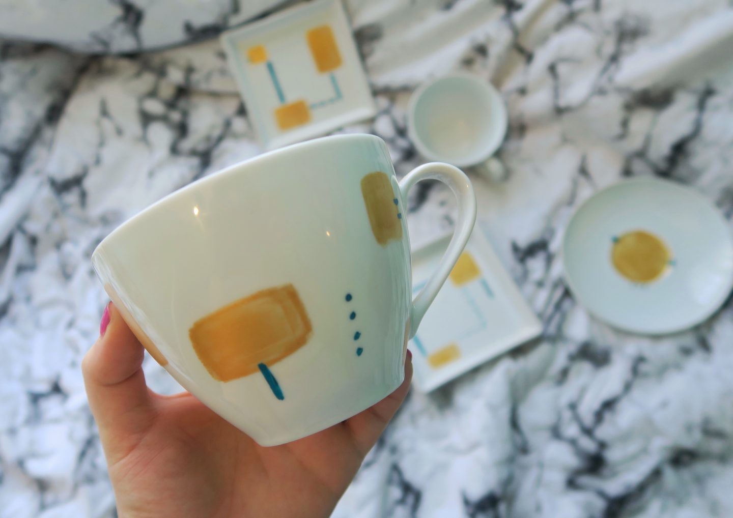 hand-painted crockery DIY on francescasophia.co.uk