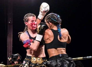 tiffany-van-soest-delivers-an-elbow-to-bernise-alldis-at-lion-fight-22-by-bennie-e.-palmore-II