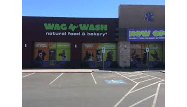 Twin Cities Wag N' Wash Opens This Weekend!