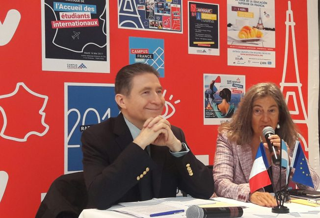 """""""Deseo que Emmanuel Macron y Mauricio Macri se reúnan pronto"""""""