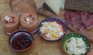 Salmorejo en tomatenjam met rozemarijn