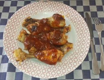 Kipdrumsticks in ketchup en cola uit de oven