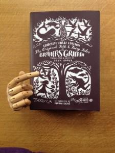 Grimms+ finger