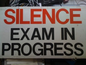 Silencio, exámenes