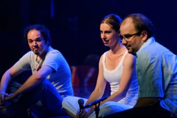 Questions et commentaires du public après un spectacle de la Poésia del Flamenco. (Hervé Leblay)