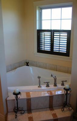 Master bathroom (Jacuzzi)