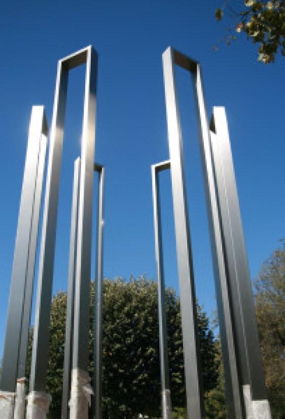 shoah-memorial-217x300