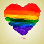 25091672-le-mot-amour-et-un-coeur-d-arc-peint-sur-un-fond-beige-avec-un-effet-r-tro-banque-dimages
