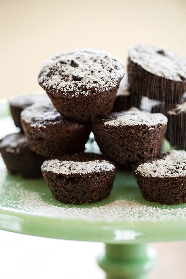 You don't need to be gluten-free to love these fudgy, deeply chocolate vegan brownie bites. Perfect for dessert or a snack. #vegan #veganbrownies #glutenfree #glutenfreebrownies #vegandessert