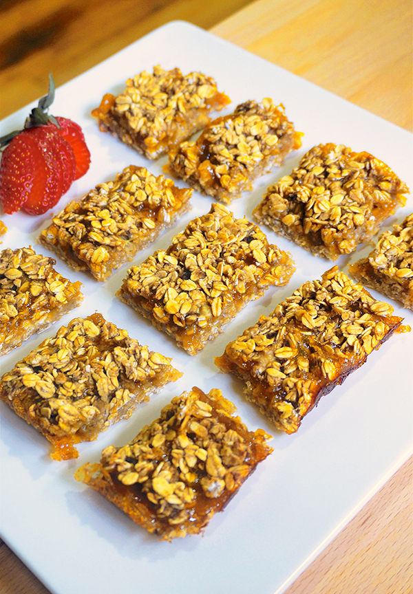 Four-Ingredient Apricot Bars from Jazzy Vegetarian's Deliciously Vegan