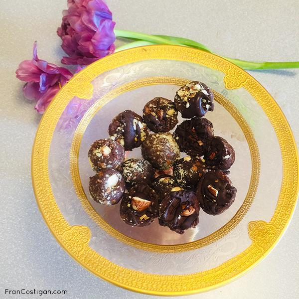 Finished almond truffles