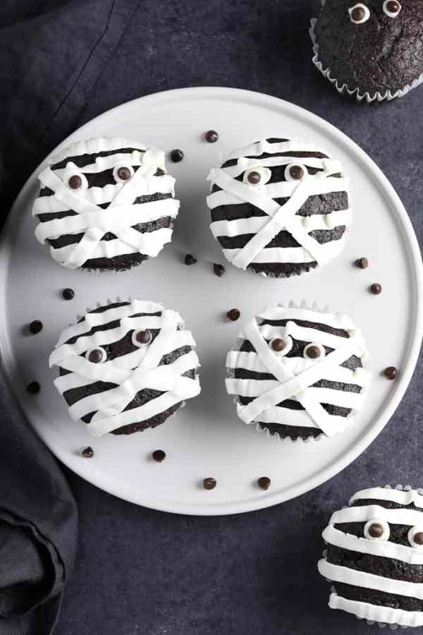 Vegan Mummy Cupcakes from Vegan Huggs