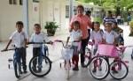 Entregan Gobierno Municipal y DIF Mante Bicicletas a Niños de Escuelas Rurales