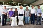 Gobierno de Tamaulipas continúa entregando fertilizante a citricultores del centro del estado