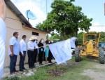 Inicia Alcalde su Primer Día de Mandato con el arranque de pavimentación de calle