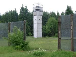 Foto: Grenzbeobachtungsturm am Todesstreifen bei Sorge