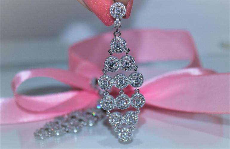 Выбираем драгоценные камни для свадьбы