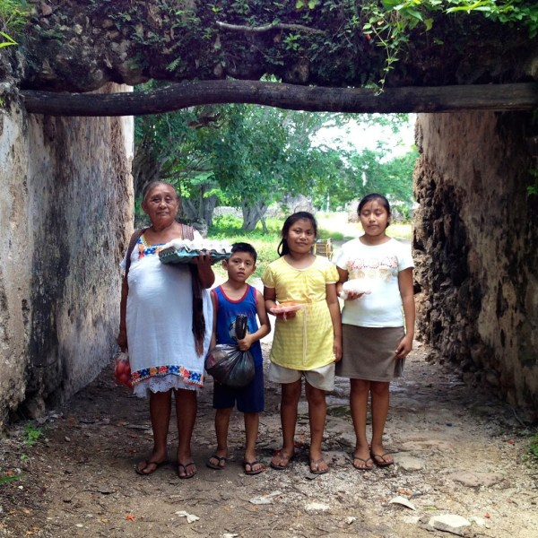 Familia Maya de Yucatán