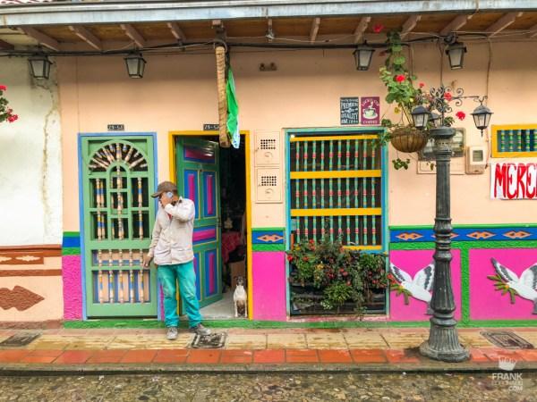 casa colorida de guatape colombia