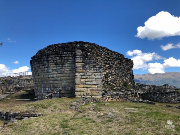 vista del templo mayor de kuelap