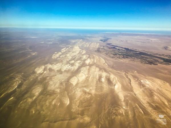 Sobrevolando el desierto de ica peru