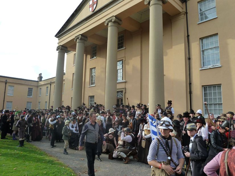 1280px-Steampunk_convention_world_record_attempt,_Lincoln_Asylum