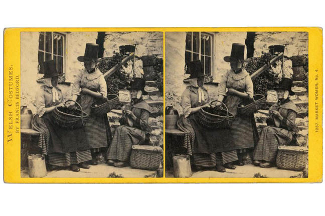 Stereocard depicting market women in Welsh costume, by Francis Bedford, 1863 - 1884. IL.2003.44.6.6.296 © Howarth-Loomes Collection at National Museums Scotland