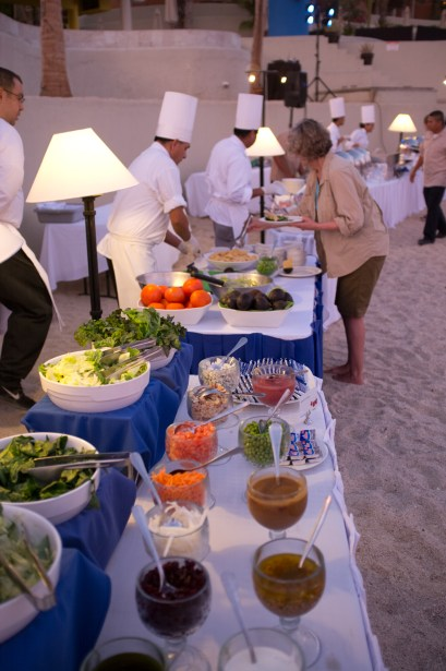 Like the Sheraton Hacienda del Mar, the Westin Los Cabos can arrange a meal on the beach.