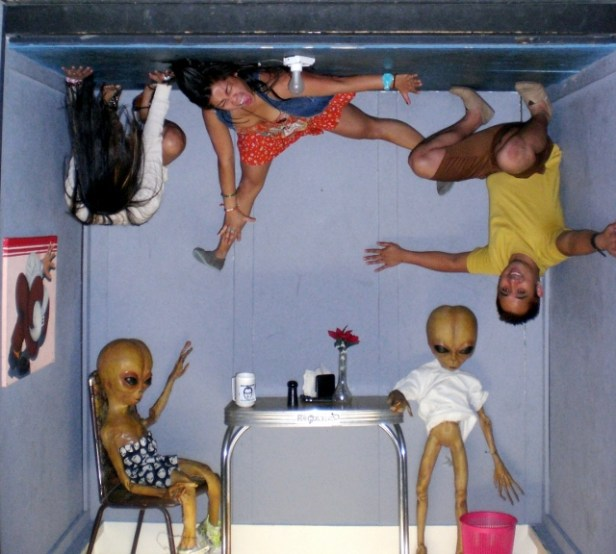 Alien Zone Photo Area