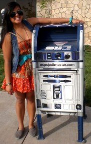Awesome R2D2 mailbox
