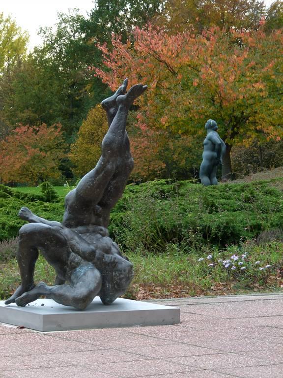 Skulpturen vor der Kunsthalle Rostock (c) FRank Koebsch