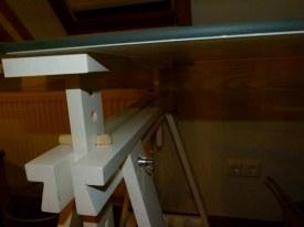 Arbeitstisch mit Glasplatte zum Abwischen der Aquarellfarben (c) Frank Koebsch (1)