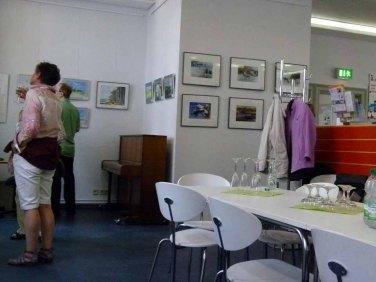 Besucher der Ausstellung von Frank Koebsch im KIZ Schwerin (1)