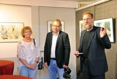 Udo Nagel eröffnet die Ausstellung von Hanka und Frank Koebsch im Rostocker Zoo (1)