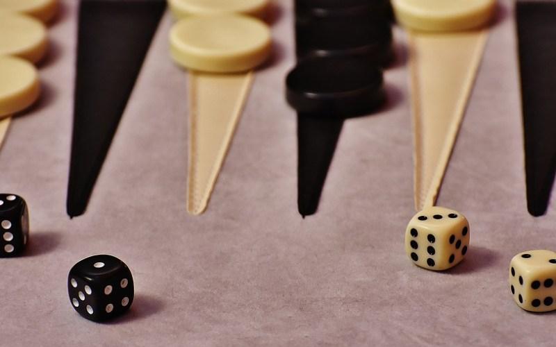 backgammon-1615590_960_720