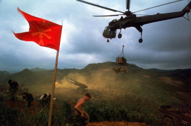 vietnam-larry-burrows-03.jpg
