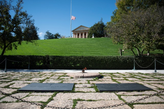 john-f-kennedy-eternal-flame-1.jpg
