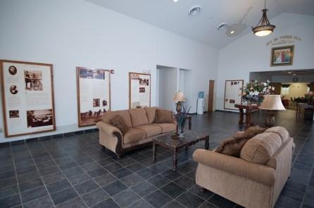 hospitality house 2-vestible 1