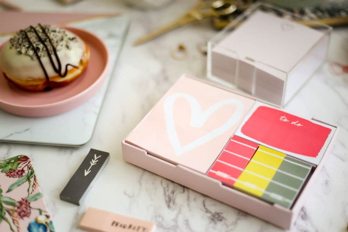 My Workday Essentials | feat Kikki K sticky notes