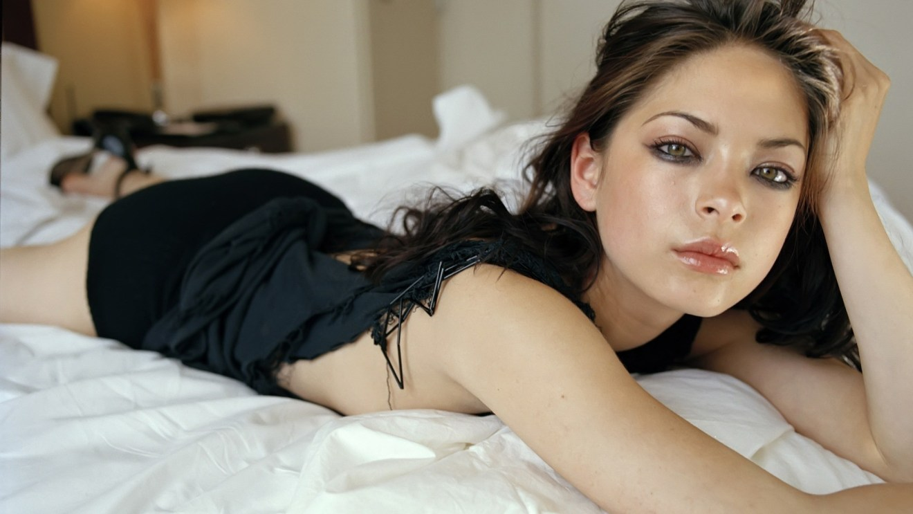 Kristin-Kreuk-Wallpaper