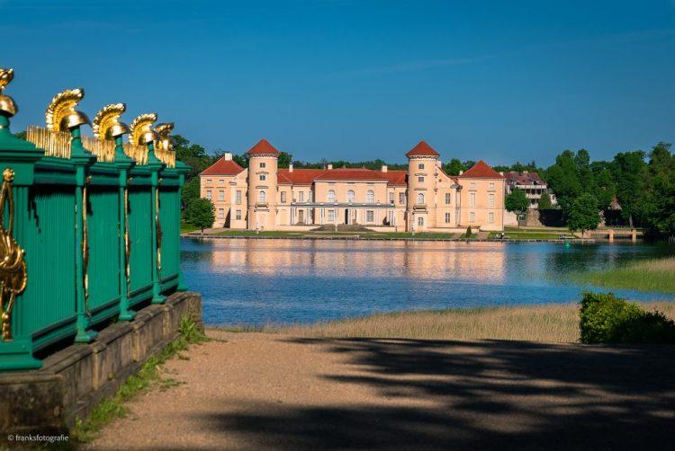 Schloss Rheinsberg erkunden Obelisk
