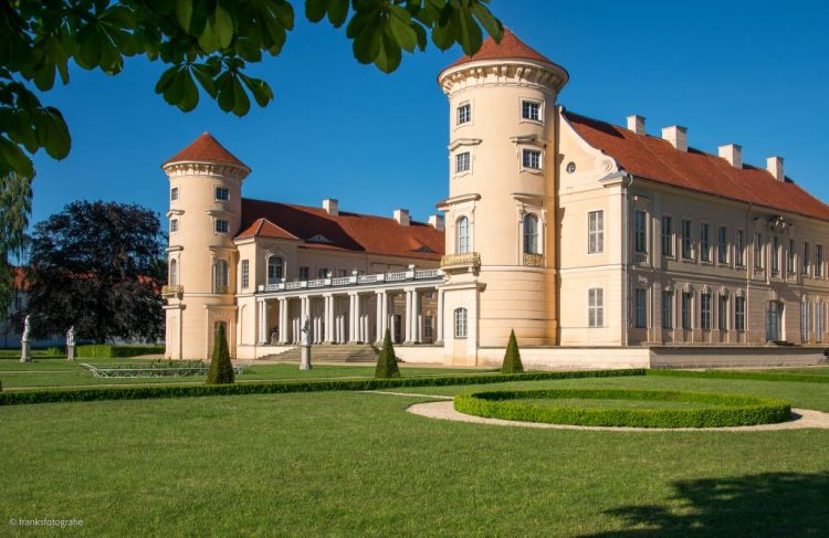 Schloss Rheinsberg erkunden Schlossinsel